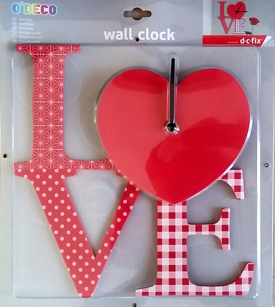 Wall Clock Love foam 27x27cm